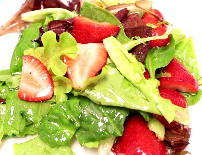 Marukan Mixed Greens & Strawberries Salad