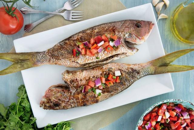 Marukan Grilled Fish with Brazilian Salsa